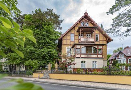 Haus auf dem Hügel web (1 von 2)